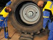 photo monter pneu vertical