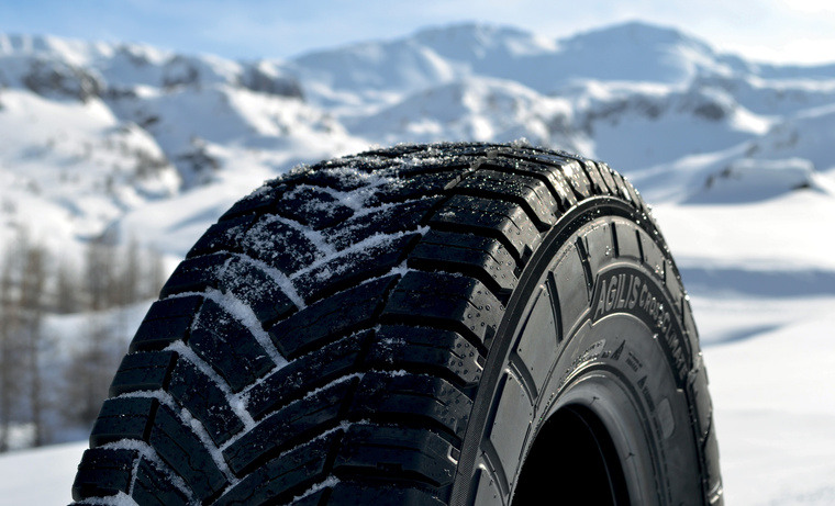 picture agilis cc tyre with snow