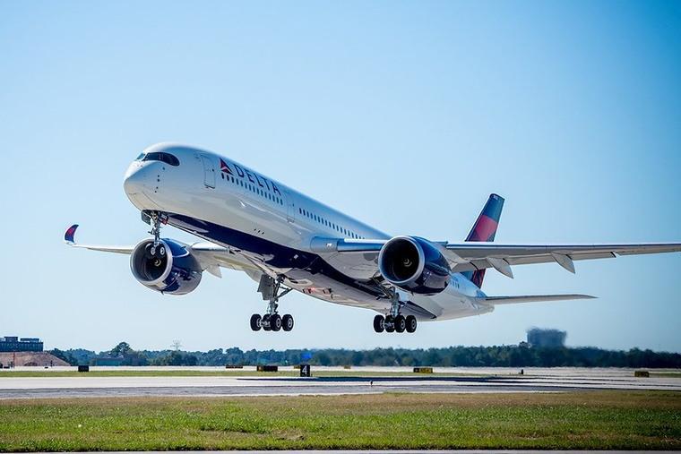 photo plane take off