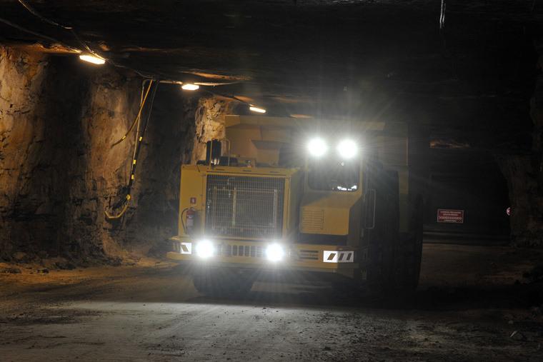 photo mining underground 2