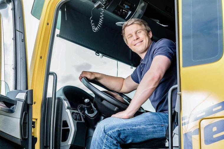 edito image chauffeur dans sa cabine full freight transport 1