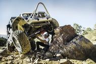 Auto Achtergrond km3 jeep rock repair Banden