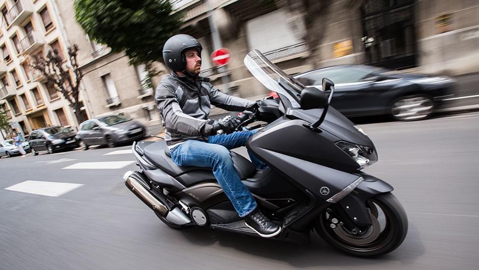 รถจักรยานยนต์ edito pilot power 3 scooter ยาง