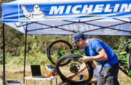 bike tips and advice fitting a tubeless tire visual
