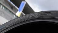 Bil Tidningsledare edito pilot power 2ct 1 tyres two thirds Däck