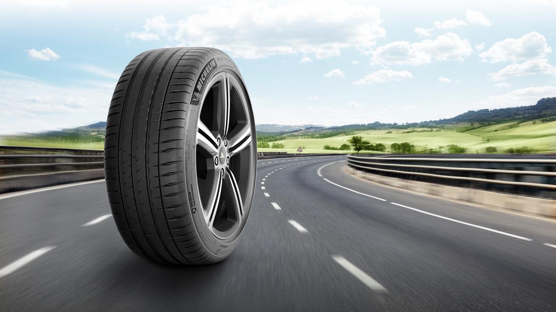 4w 238 tire michelin pilot sport 4 en us features and benefits 1 signature 16 slash 9