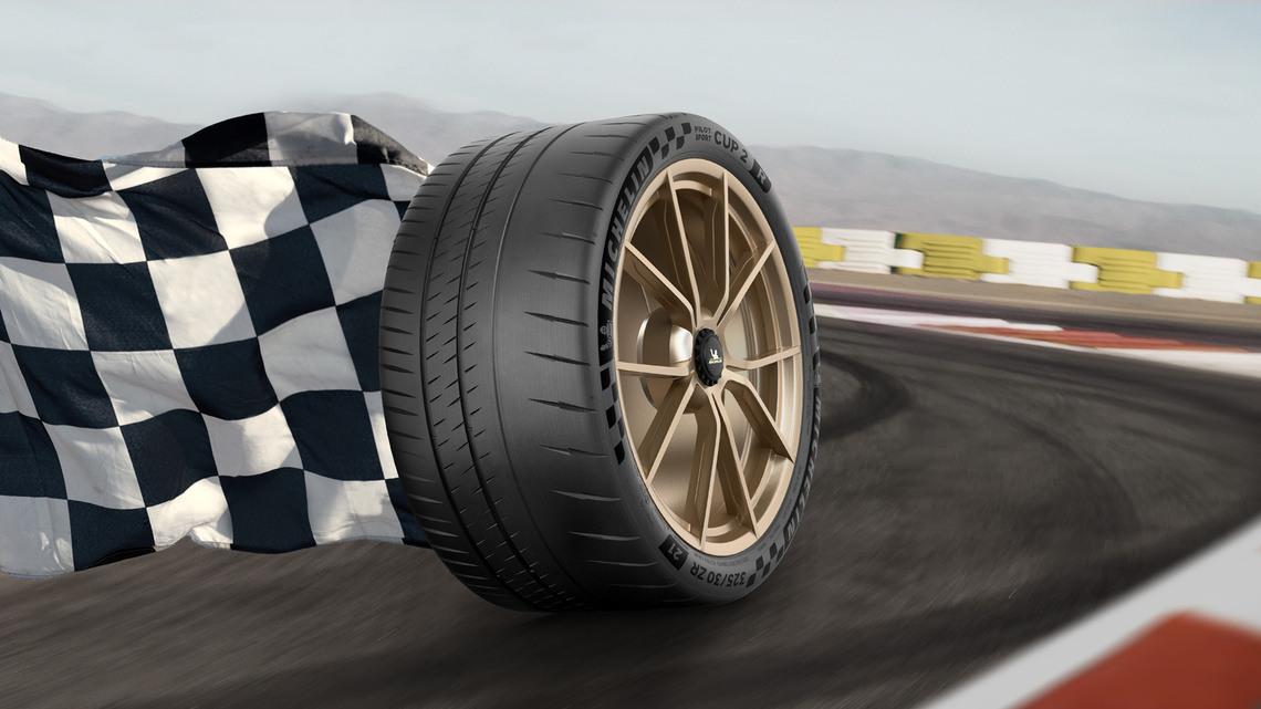 4w 368 tire michelin pilot sport cup 2 r en us features and benefits 1 signature 16 slash 9